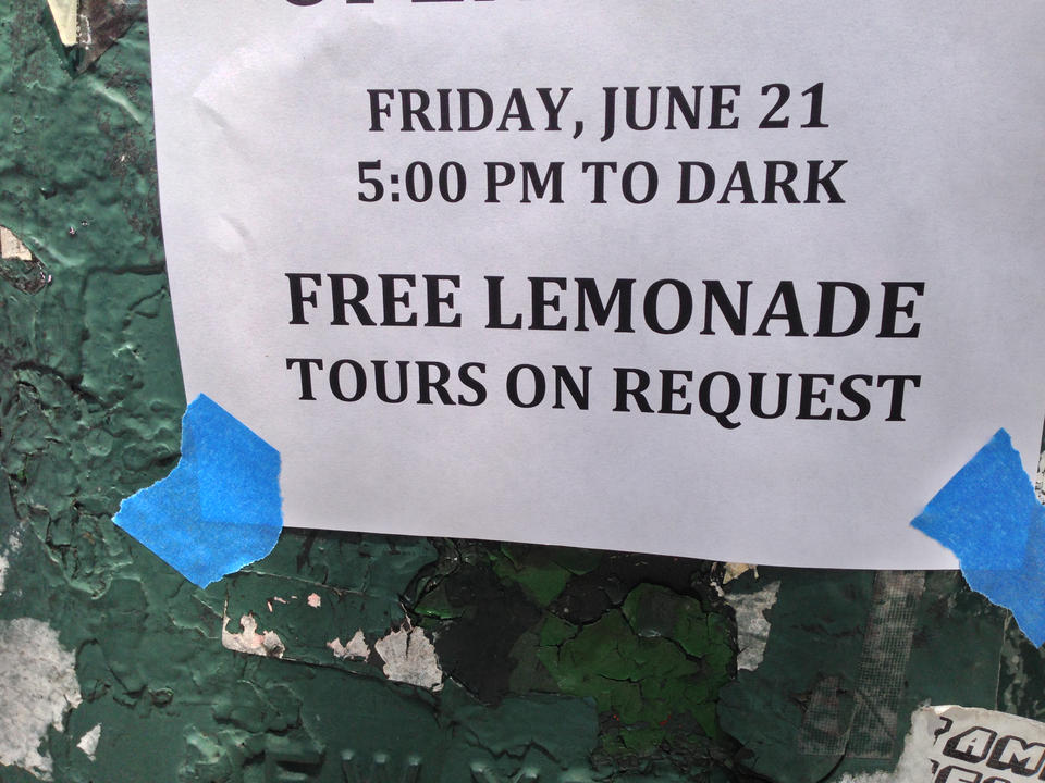 I've always wanted to experience a free lemonade tour!